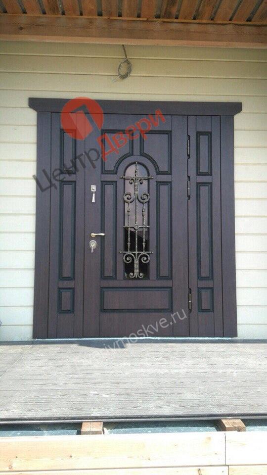 входные двери с ковкой и стеклом от производителя